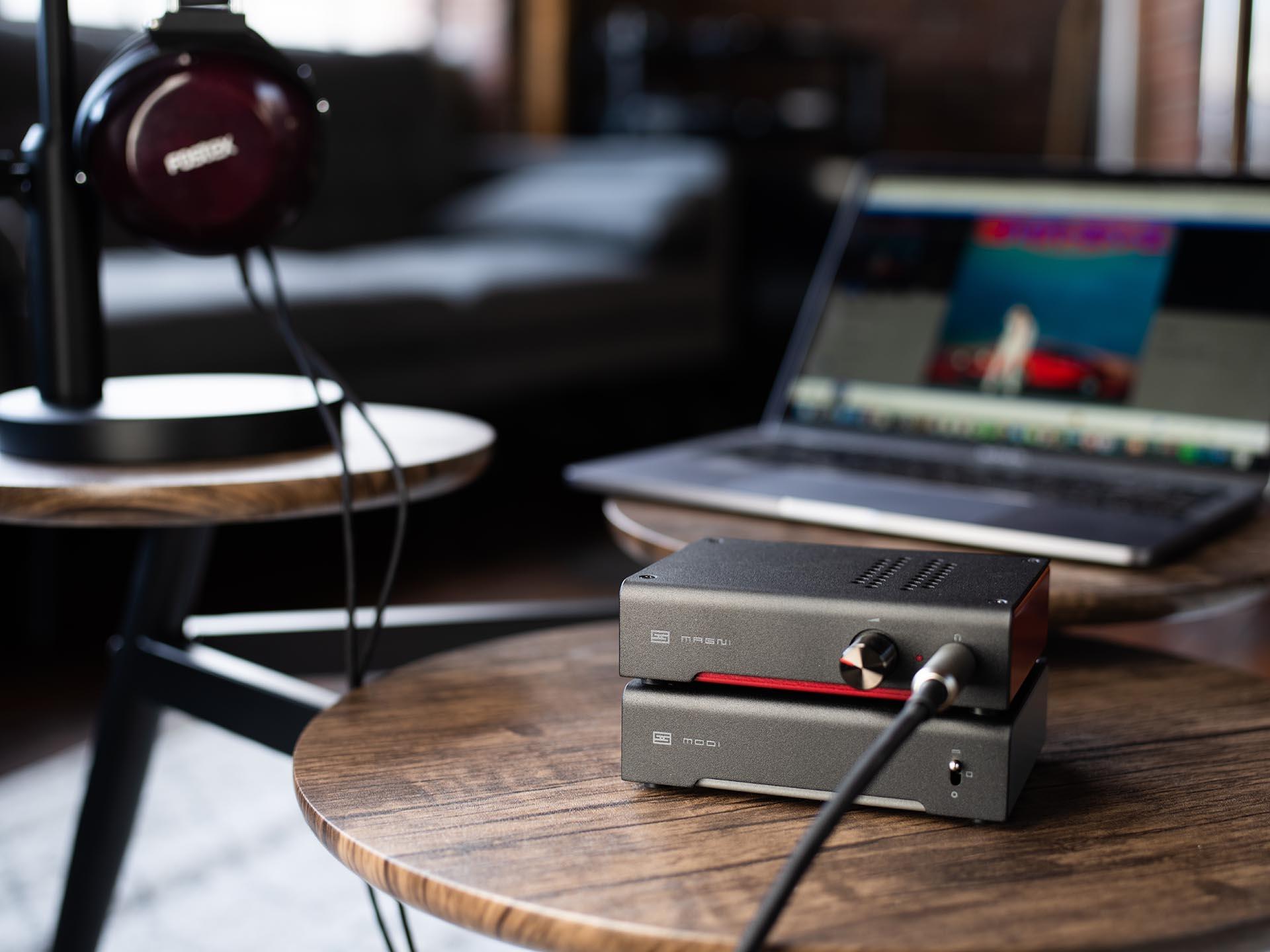 MAGNI HERESY - HEADPHONE AMP AND PREAMP-1285